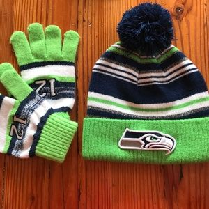 Womens Seahawks NFL Knit Hat with Pom and Gloves